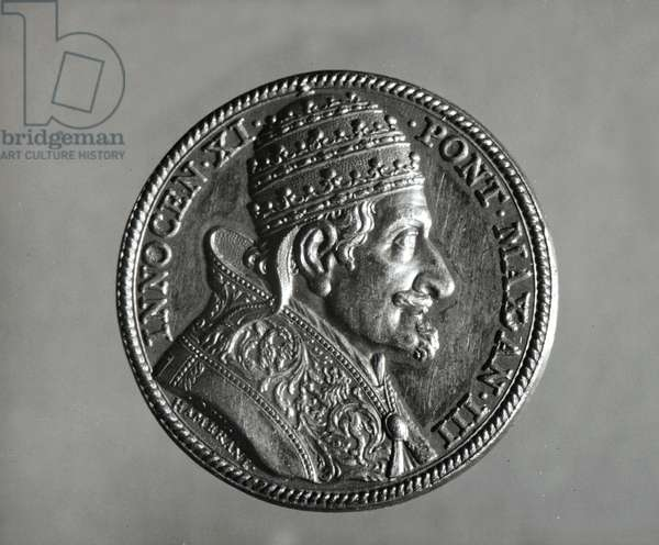 Portrait of Innocent XI (Blessed) (1611 - 1689). Bronze medal. Milan, private collection.
