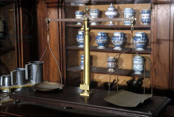 Pharmacy scale. 18th century. Museum of Science and Technology, Milan.