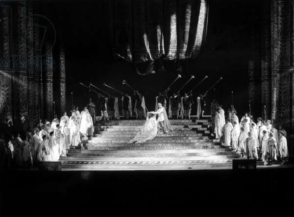 "Representation of the opera ""The coronation of Poppee"""" (L'incoronazione di Poppea) by Claudio Monteverdi (1567-1643). Performed by Grace Bumbry in Poppee and Leyla Gencer in Octavie. teatro alla Scala de Milan 1967"