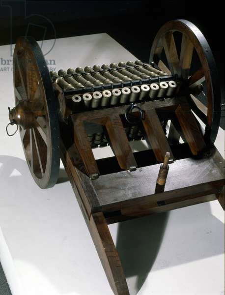 Cannon with 33 rotating canes, model from the drawing of Leonardo da Vinci (Leonardo da Vinci). Museum of Science and Technology, Milan.