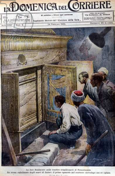 """The discovery of the sarcophagus, still intact, of Pharaoh Tutankhamun. Ill. d'A. Beltrame. """"La Domenica del Corriere"""". 24/02/1924."""