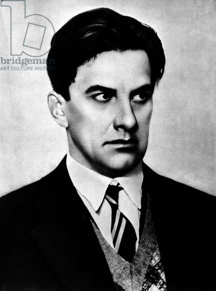 Portrait of the Russian poet Vladimir Mayakovsky (or Maiakovsky, Mayakovsky, Majakovskij) (1893-1930), photography years 1920