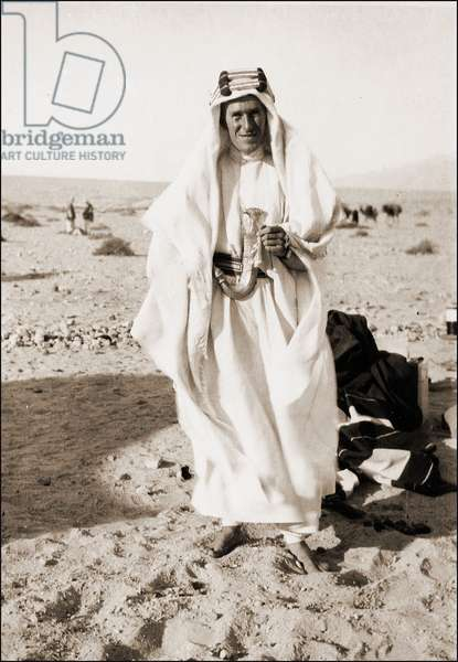 Thomas Edward Lawrence, (Laurence of Arabia or Lawrence of Arabia, 1888 - 1935) - photograph at Akaba 1917.