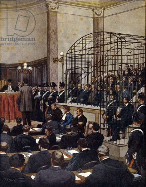 The Cuocolo case at the Viterbo Assizes in Italy. Camorra members are locked in a cage. 1911