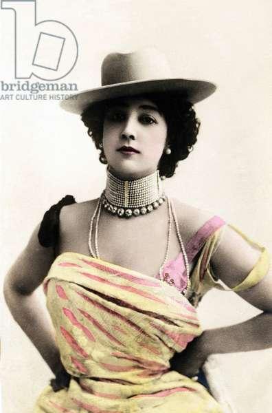 Portrait of Caroline (La Belle) Otero (1868-1965), photo Reutlinger 20th century
