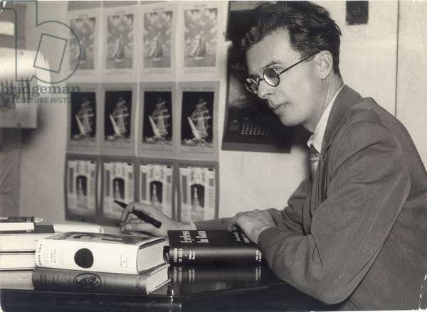 Portrait of the English writer Aldous Huxley (1894-1963) in 1936