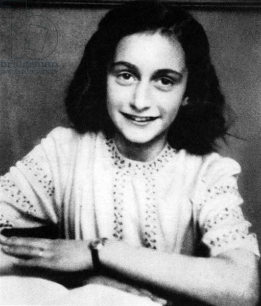 """Portrait of Anne Frank (Anna, 1929-1945) is eleven years old. Serie of cliches glued in his """""""" Journal"""""""" before his arrest by the Nazis. 1940"""