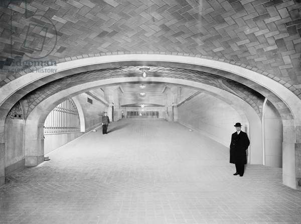 Incline to Subway and Exits, Grand Central Terminal, New York City, USA, c.1915 (b/w photo)