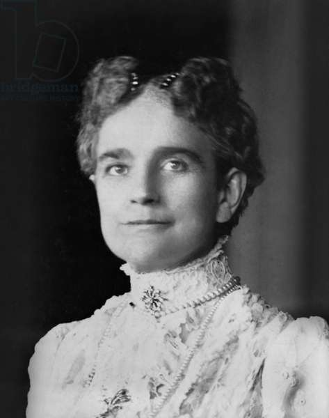 Ida Saxton McKinley (1847-1907), First Lady of the United States 1897-1901, Wife of U.S. President William McKinley, Head and Shoulders Portrait, 1900 (b/w photo)
