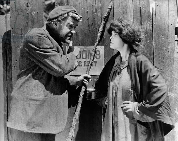 """Gibson Gowland, ZaSu Pitts, on-set of the Silent Film, """"Greed"""", 1924"""