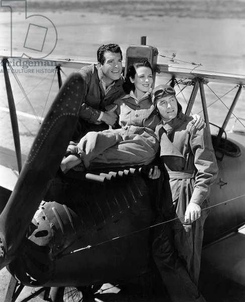 Fred MacMurray, Louise Campbell, Ray Milland, on-set of the Film