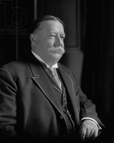 William Howard Taft, Seated Portrait, Harris & Ewing, 1910 (b/w photo)