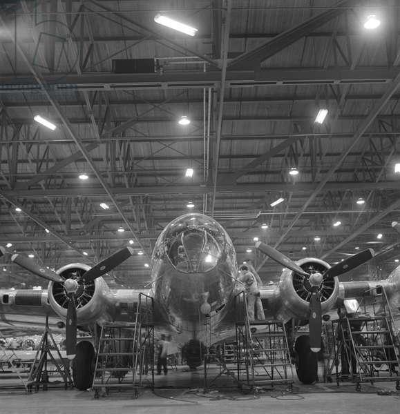 Nearly Complete B-17F Bomber at Boeing Plant, Seattle, Washington, USA 1942 (b/w photo)