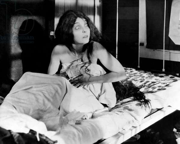 """ZaSu Pitts, on-set of the Silent Film, """"Greed"""", 1924"""