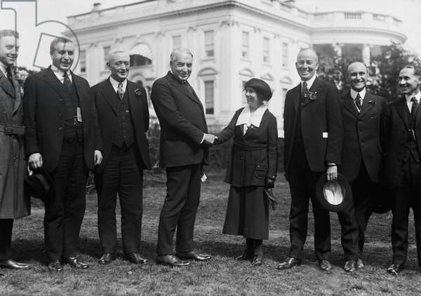 U.S. President Warren G. Harding with Group of People in Front of White House, Washington DC, USA, circa 1922