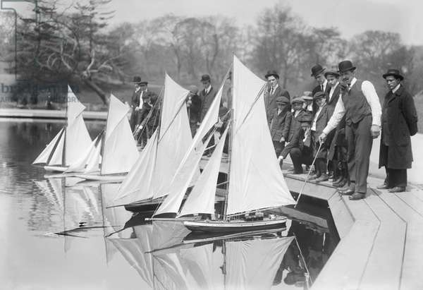 Group of People at Start of Toy Yacht Race, Conservatory Lake, Central Park, New York City, New York, USA, Bain News Service, 1915 (b/w photo)