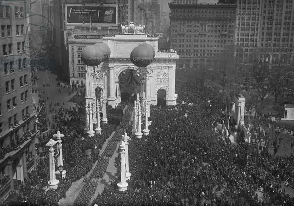 Return of U.S. Army 27th Division, Parade up Fifth Avenue, New York City, New York, USA, March 25, 1919