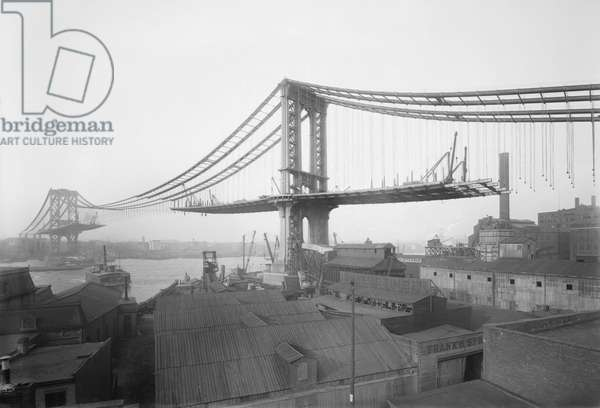 Manhattan Bridge Construction, View from Brooklyn, New York, USA, Bain News Service, March 1909 (b/w photo)