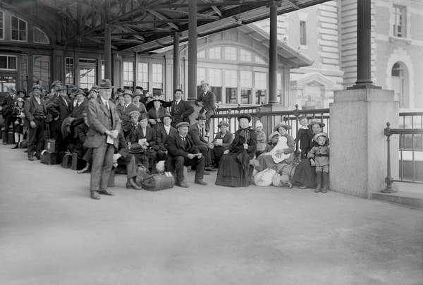Arrival of Immigrants Awaiting Examination, Ellis Island, New York City, New York, USA, Bain News Service, 1920 (b/w photo)