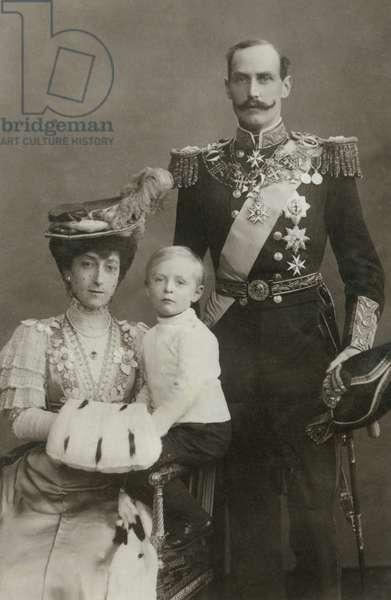 King Haakon VII, Queen Maud, Prince Olaf, of Norway, Portrait, 1906 (b/w photo)