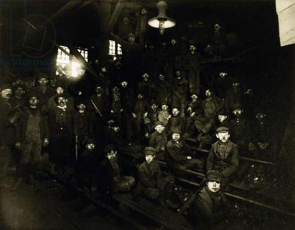 Breaker Boys in a Coal Mine, South Pittston, Pennsylvania, USA, 1911 (b/w photo)