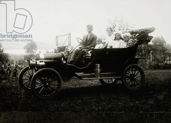 Two Adults and Three Children in Ford Model T Car, USA, 1913