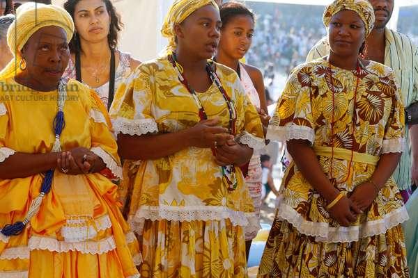 Brazil, Bahia, Salvador : CandomblŽ devotees celebrating Iemanja festival in Rio Vermelh