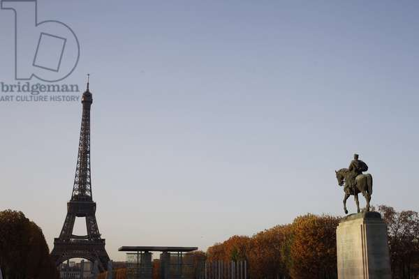 Eiffel tower, peace memorial and statue of Marechal Joseph Joffre in Paris, Paris, France