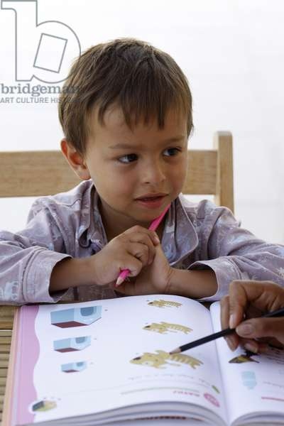 Child learning, , Italie