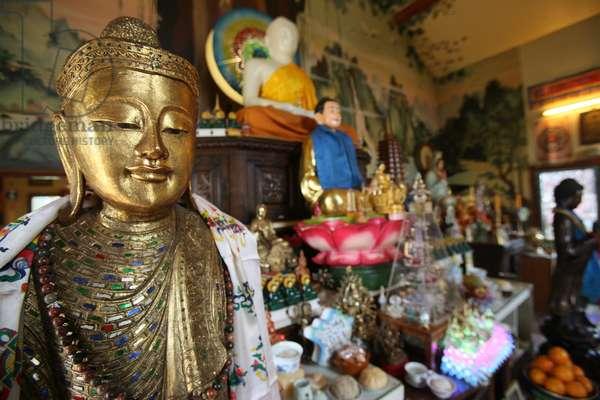 France, Haute-Savoie, Bonneville : Buddha statue, Tu An Buddhist temple
