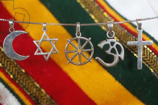 Religious symbols, 20160507, France
