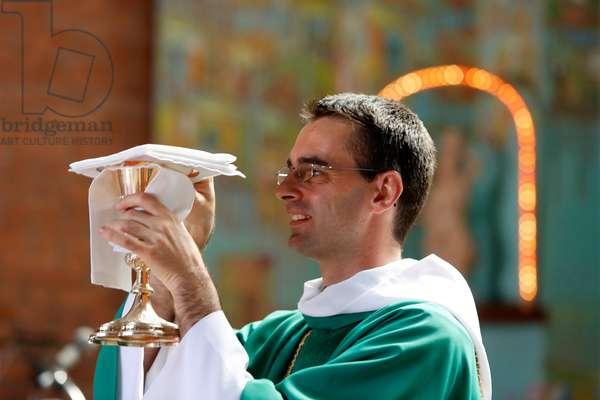 Brazil, Bahia, Salvador : Sunday Mass in Nossa Senhora dos Alagados churc