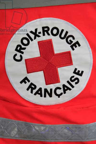 France, Ile-de-France, Paris : Red Cross volunteer