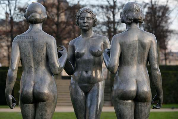 Jardin des tuileries, Aristide Maillol, Les trois graces, Paris, France (photo)