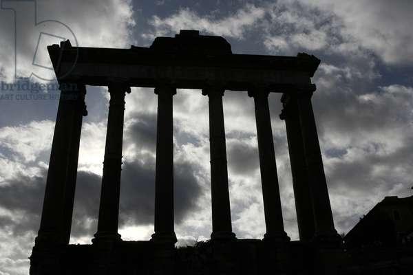 Forum Romanum. Saturn's temple ROME ITALIE