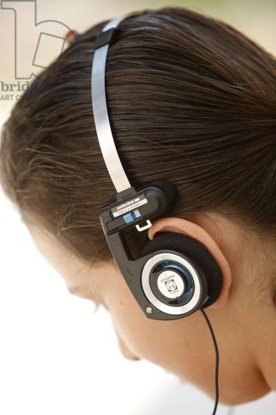 Teenager with headphones, Cutrofiano, Italie