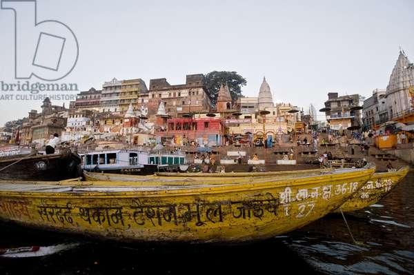 General view of the main ghat in Varanasi, Varanasi, Inde