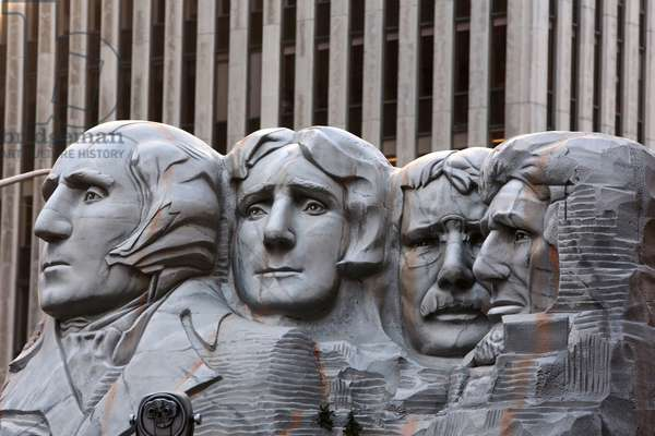 Macy's Thanksgiving Day Parade. Mount Rushmore float, New York, United States of America