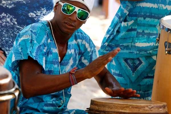 Brazil, Bahia, Salvador : Drummers at Iemanja festival in Rio Vermelh