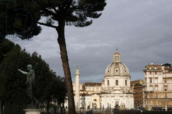 Trajan's column and Ulpia basilica ROME ITALIE