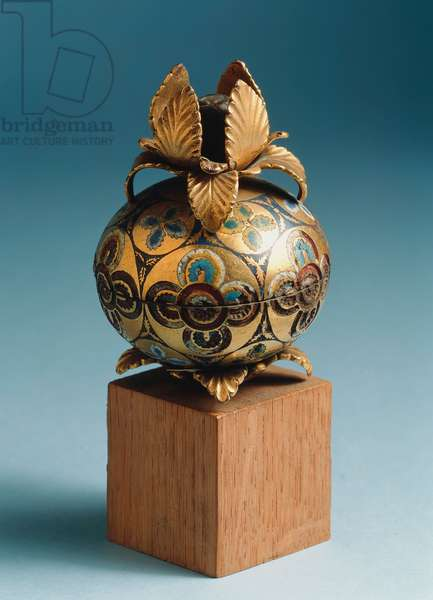 Knob from a Reliquary, from the Rheinland (copper, gilt & enamel)