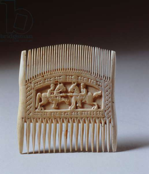 Double sided comb depicting a jousting scene (ivory) (for other side see 282628)