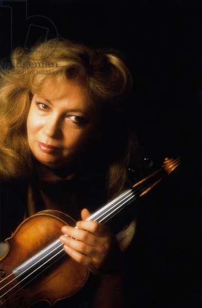 Lydia Mordkovitch - portrait