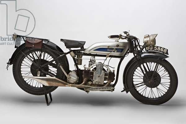 Classic Motorbike Douglas EW 350 (photo)