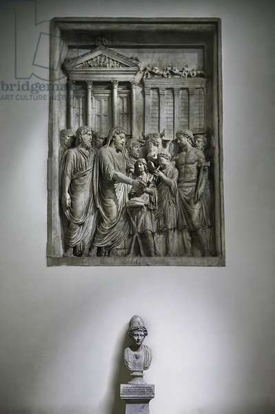 Marcus Aurelius sacrificing in front of the temple of Zeus (marble relief)