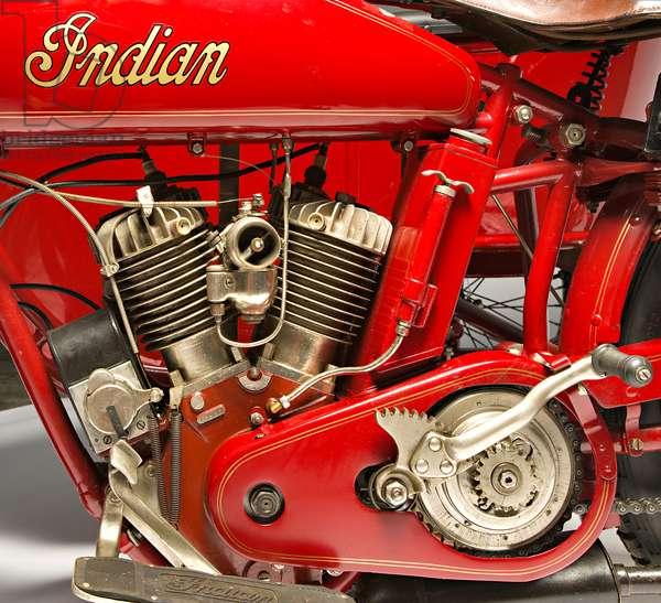 Classic Motorbike Indian Powerplus 1000 Side, Engine (photo)