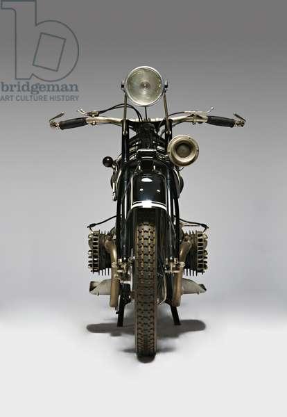 Classic Motorbike BMW R42 (photo)