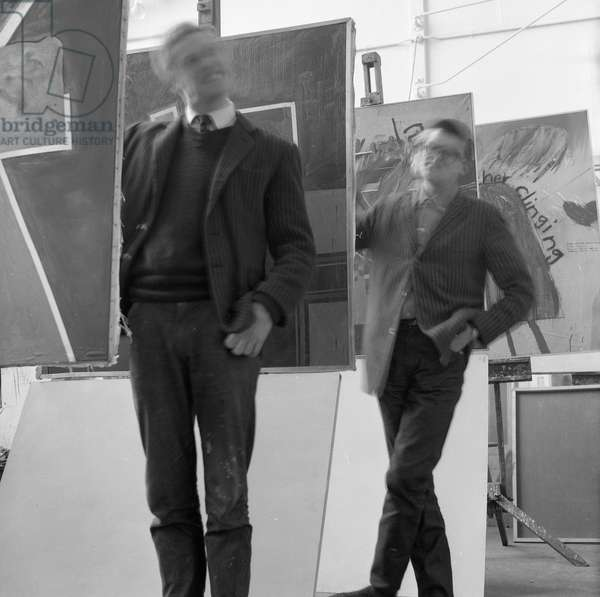 'Paint', the artists Derek Boshier and David Hockney posing at the Royal College of Art in 1962 (photo)