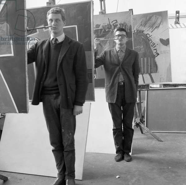 'Get set', the artists Derek Boshier and David Hockney posing at the Royal College of Art in 1962 (photo)