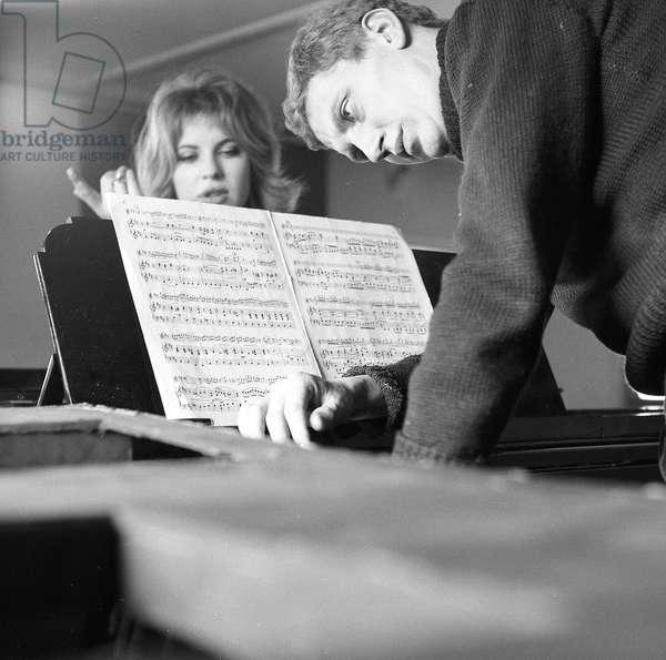 Derek Boshier and Pauline Boty, 1960 (b/w photo)